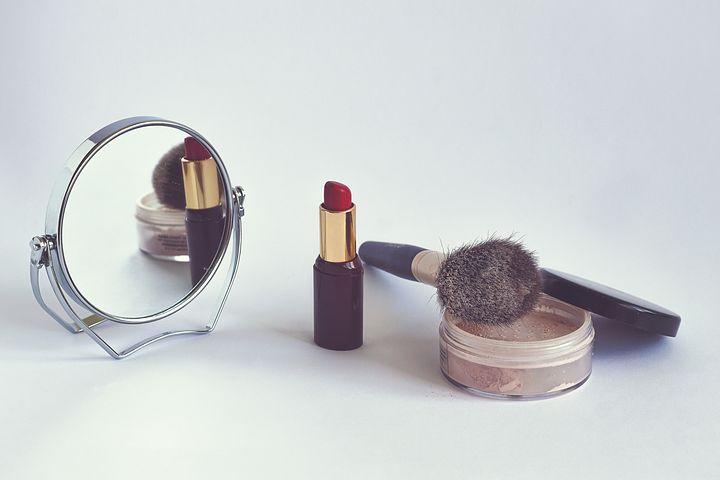 Profesjonalny makijaż – zobacz, jakim sposobem go zrobić